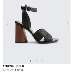 EUC Dolce Vita Athena black